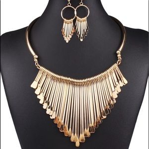 Set of Golden Tassel Necklace and Earrings